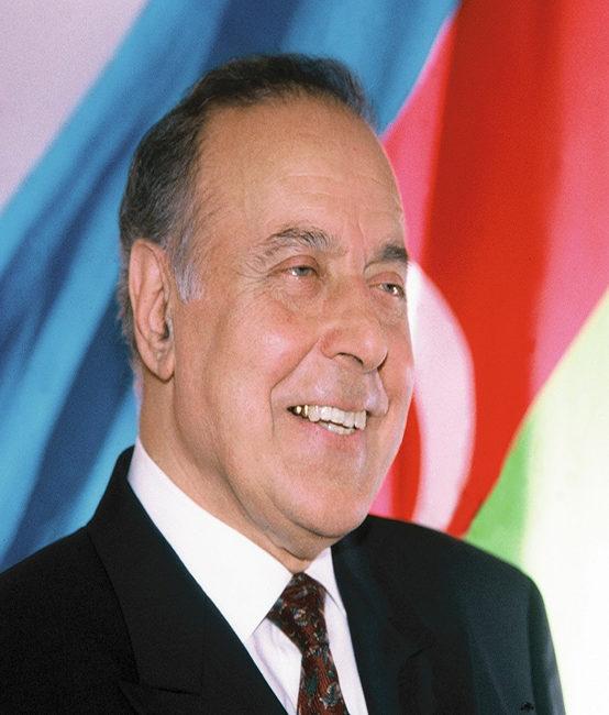 Bu gün Ümummilli lider Heydər Əliyevin doğum günüdür